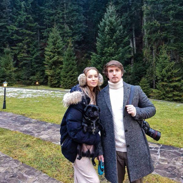 Богдан и Екатерина с мопсом Цезарем