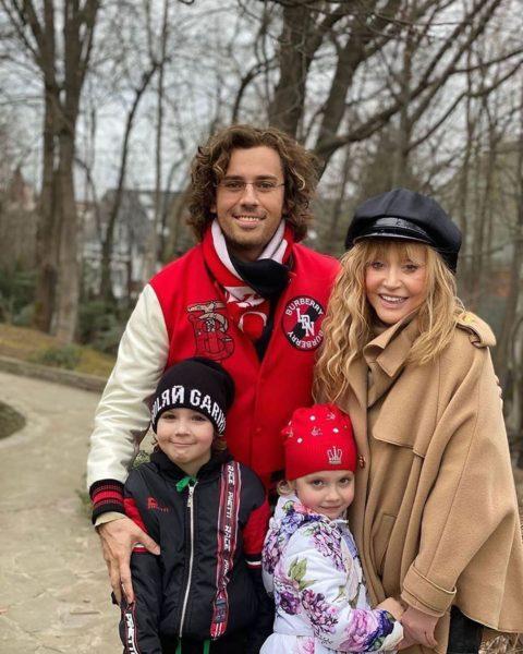 Пугачова і Галкін з дітьми