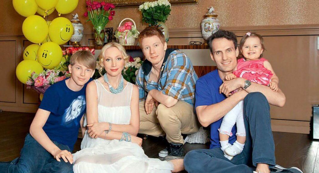 Кристина Орбакайте и ее дети