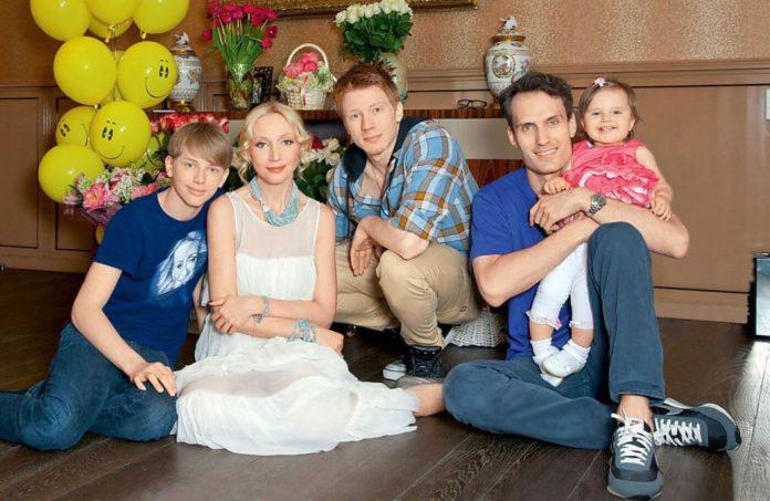 Крістіна Орбакайте і її діти