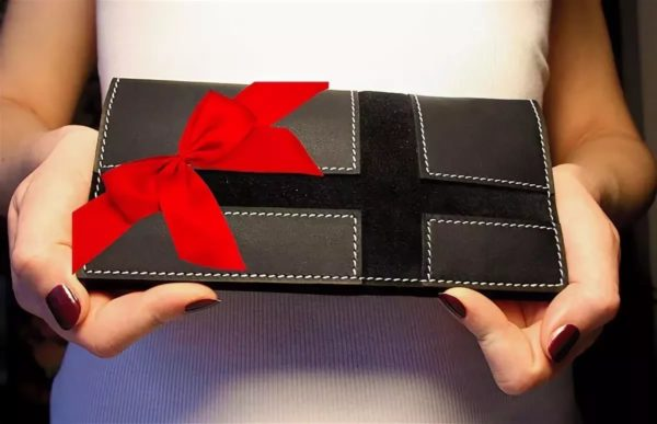 Плохая примета: Топ-6 подарков, которые нельзя принимать