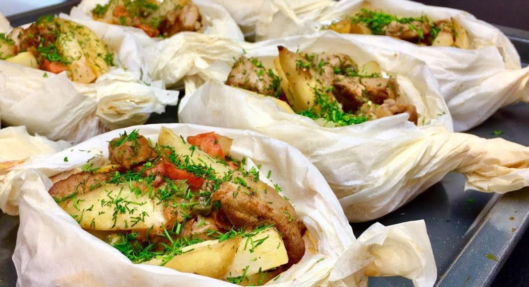 Как просто и вкусно запечь картофель с овощами и мясом?