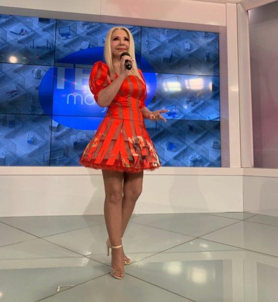 Людмила Балан в красном платье