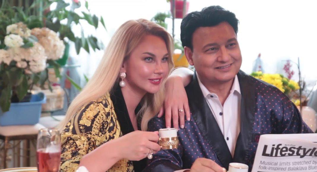 Камалия и ее муж Захур празднуют День Влюбленных