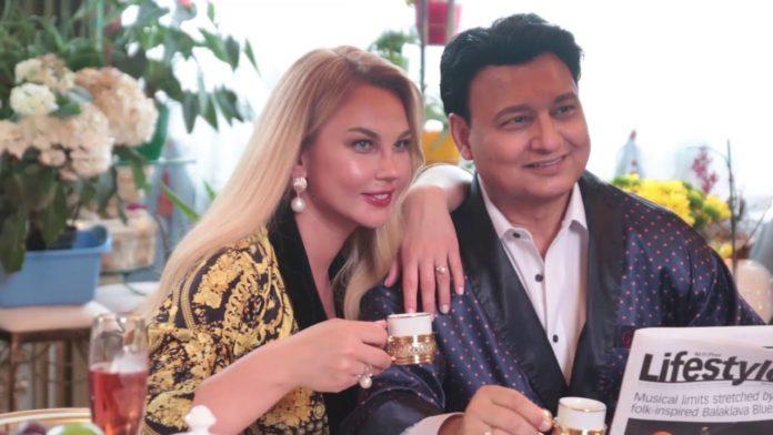 Камалія і її чоловік Захур святкують День Закоханих
