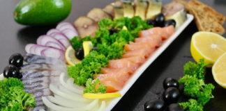 Як красиво подати оселедець, скумбрію і червону рибу?