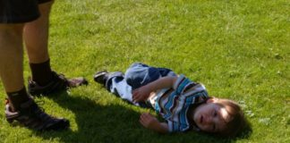 Что делать, если ребенок плачет - советы психолога