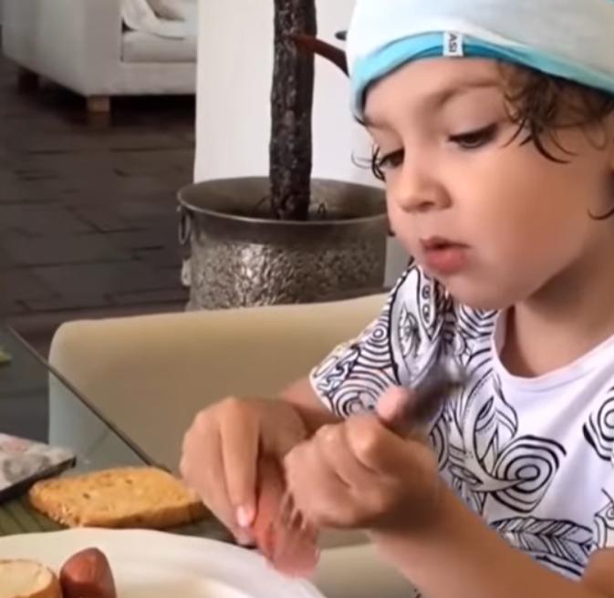 Сніданки дітей Пугачової і Галкіна