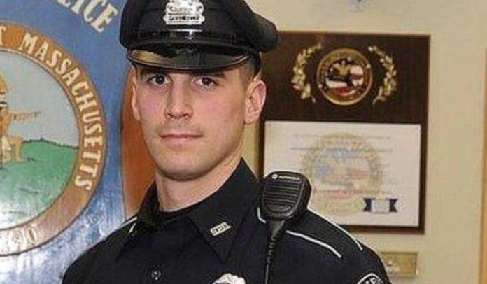 Метт Ліма - поліцейський з США, який допоміг родині, і купив їжу на Різдво