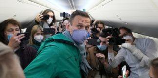 Олексій Навальний повернувся в Росію, його затримали і він пропав