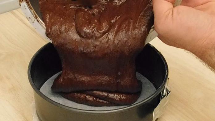 Шоколадний торт з 2-х інгредієнтів