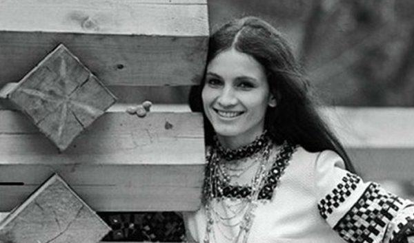 София Ротару в юности