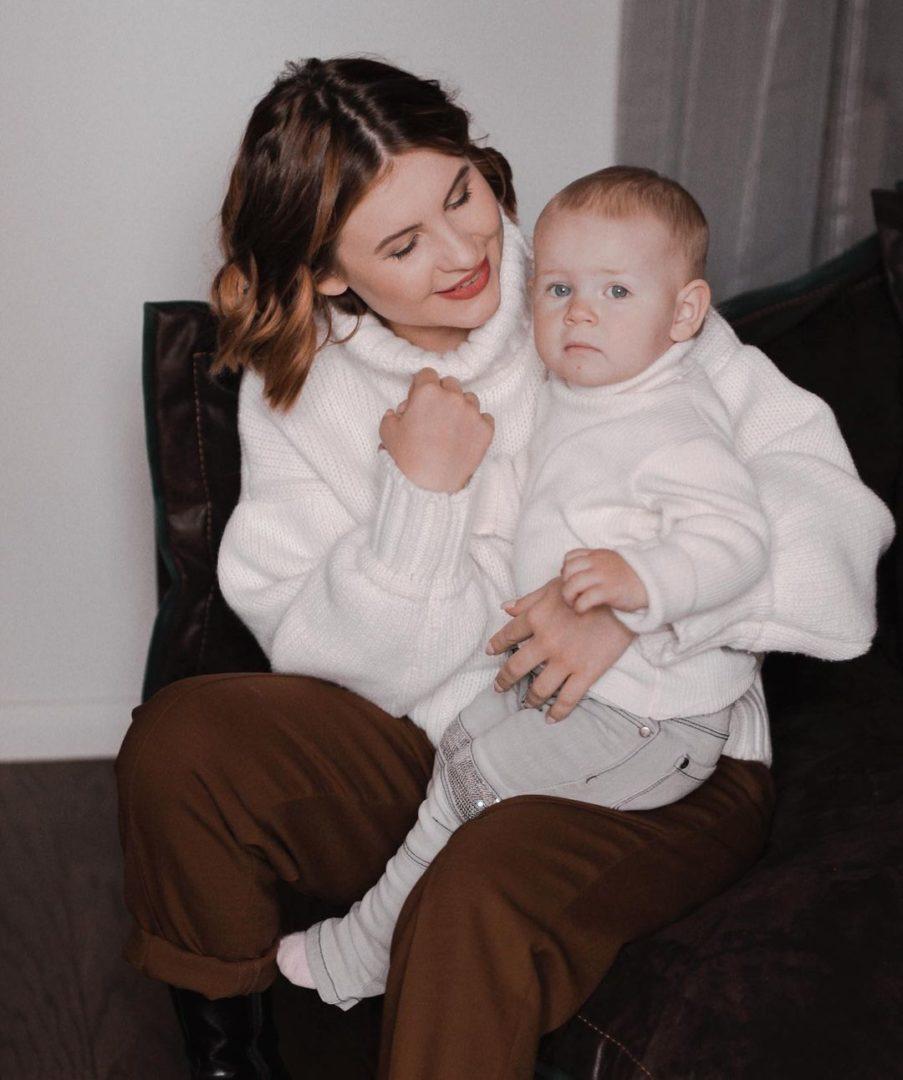 Цуканова с дочерью