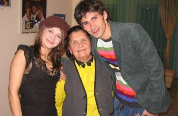 Дан Балан з сестрою Санд і бабусею