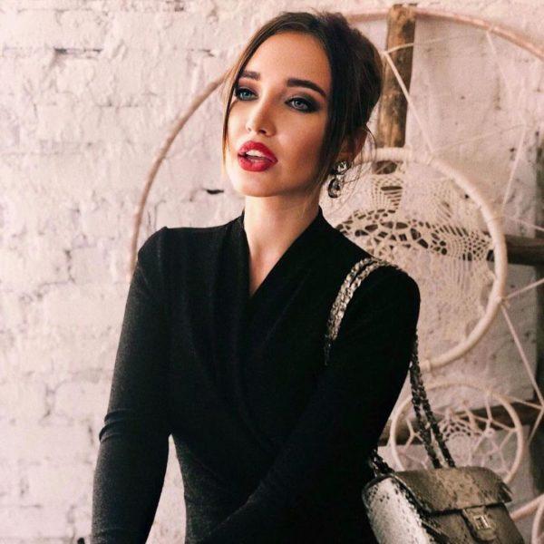 Виктория - полный двойник Нади Дорофеевой