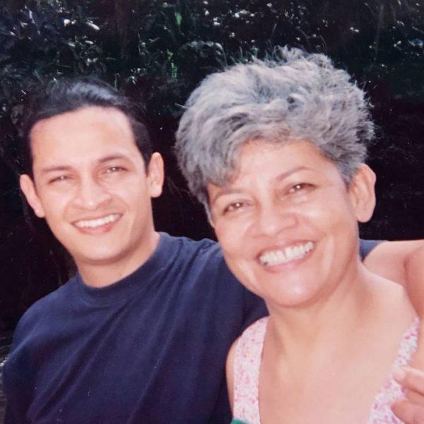 Эктор Хименес Браво и его мама