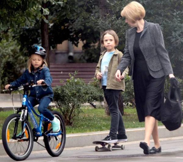 Син Шепелева і дочка його нової обраниці Катерини Тулупової - Платон і Лада