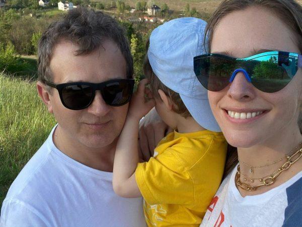 Семейное фото Осадчей с Горбуновым и сыном
