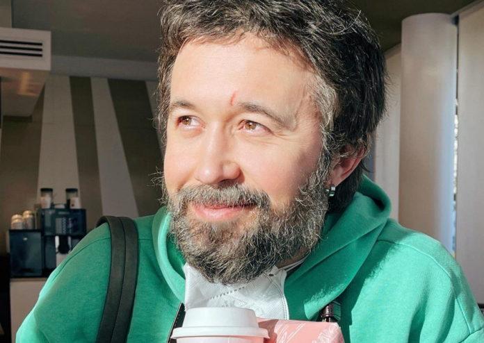 Сергій Бабкін майже відразу після складної операції на очі відправився на зйомки