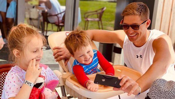 Володимир Остапчук з донькою Емілією і сином Еваном