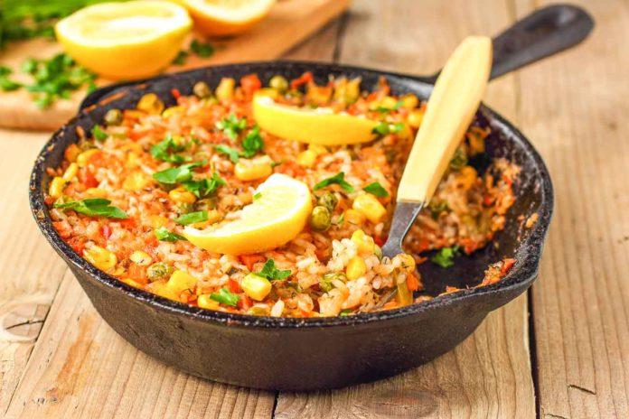 Димний пряний рис з овочами