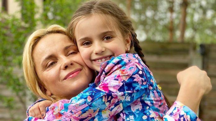 Лілія Ребрик з донькою