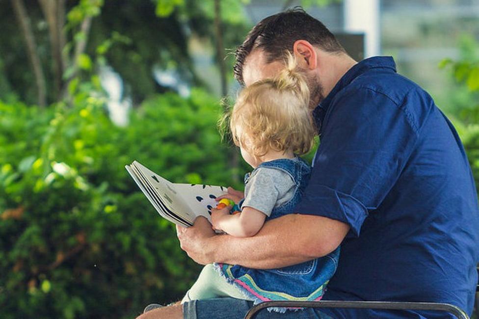 Отец-одиночка воспитываем сам семерых детей