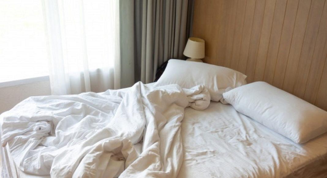 Почему нужно застилать кровать каждое утро?