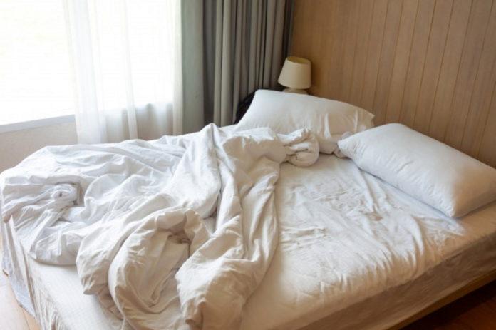 Чому потрібно застеляти ліжко щоранку?