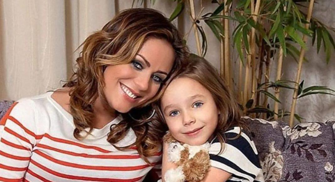 Юлия Началова и ее дочь Вера Алдонина