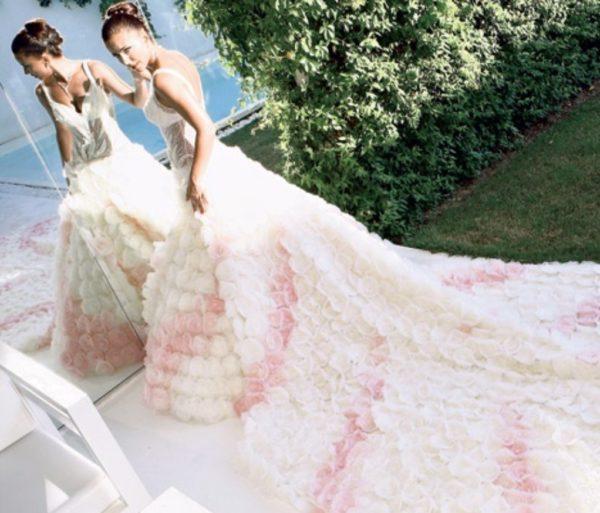 Ані Лорак у весільній сукні