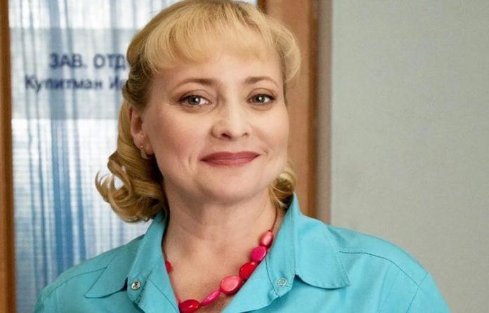 """Світлана Пермякова з серіалу  """"Інтерни"""" святкує день народження"""