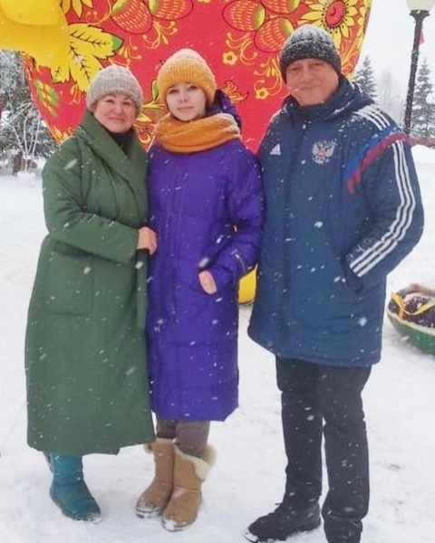 Вера Алдонина с бабушкой и дедушкой - родителями Юлии Началовой