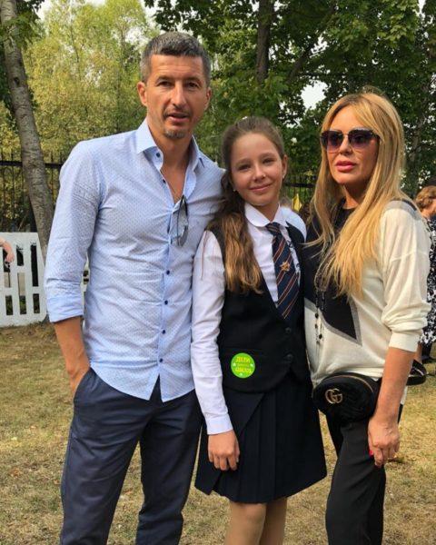 Юлия Началова с бывшим мужем Евгением Алдониным и дочкой