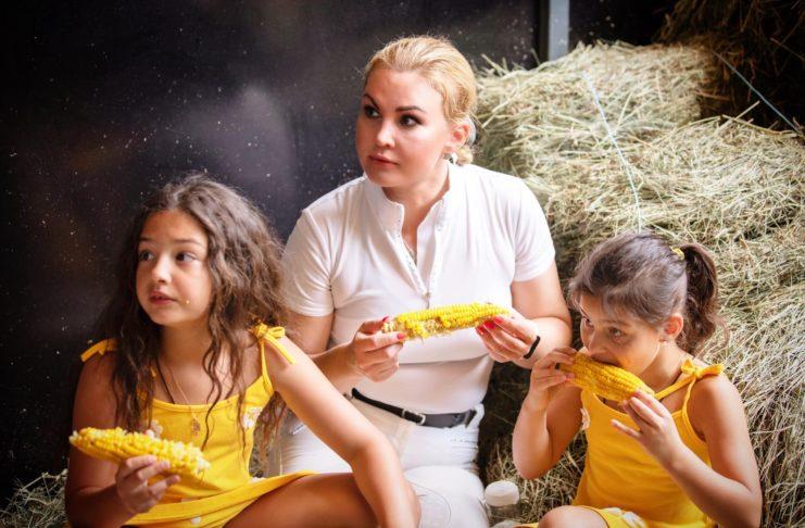 Камалия и ее очаровательные дочки