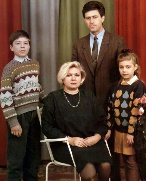 Сім'я Тіни Кароль