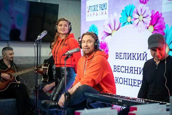 """Олег Винник и Таюне дали концерт в эфире """"Русского радио"""""""