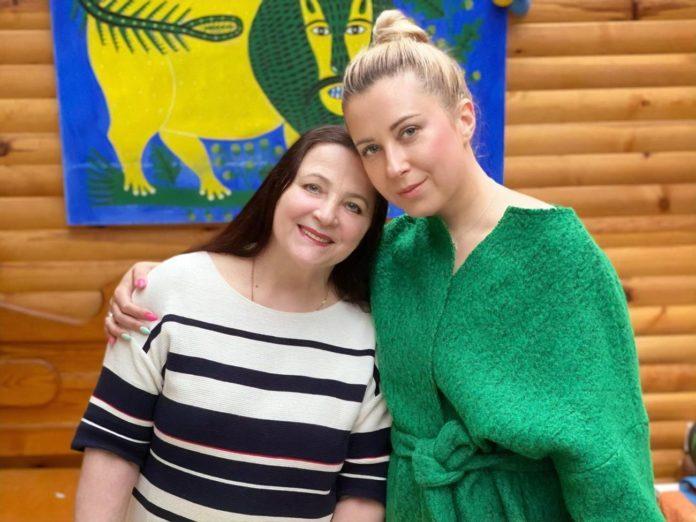 Тоня і Ніна Матвієнко
