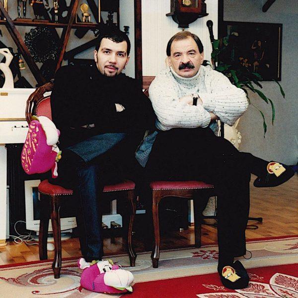Илья Олейников с сыном Денисом Клявером