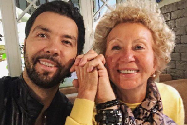 Жена и сын Ильи Олейникова