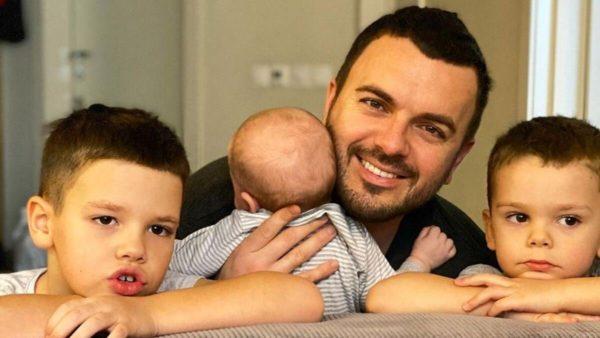 Григорий Решетник с сыновьями