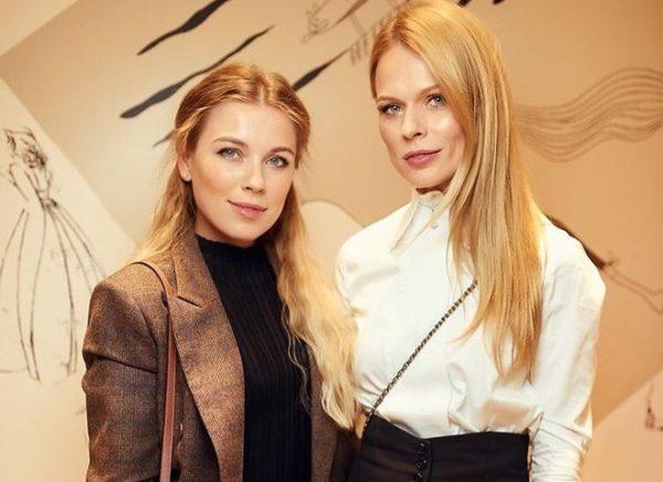 Оля Фреймут с сестрой Юлей