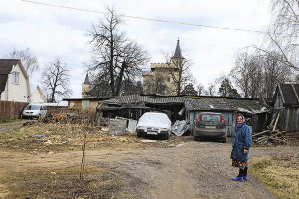 Село Бруд, де живуть Пугачова і Галкін