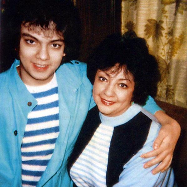 Филипп Киркоров со своей мамой