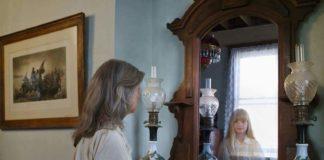 Чи можна спати напроти дзеркала?