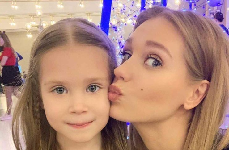 Кристина с дочкой