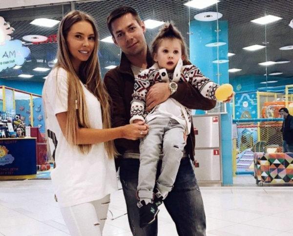 Стас Пьеха со своей бывшей женой и сыном