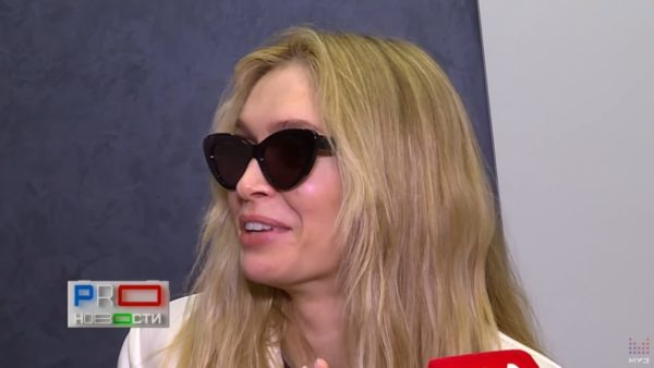 Вера Брежнева на интервью для Муз ТВ