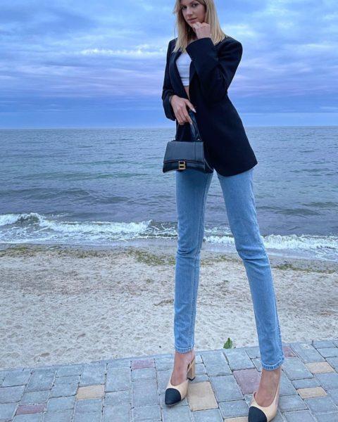 Леся Никитюк шокувала неприродно довгими ногами