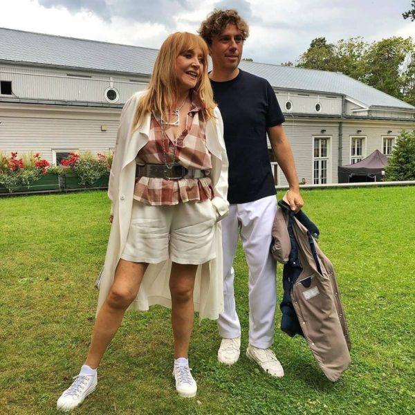 Алла Пугачова продемонструвала стрункі ноги